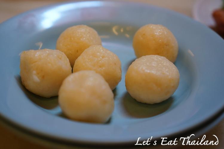 Famosa Chicken Rice Ball 010